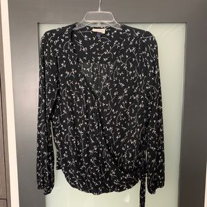 Universal thread side tie black floral wrap top